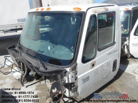 Cabina International 7400 2003