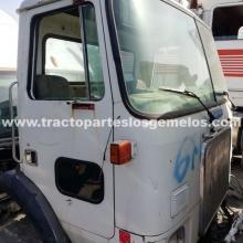 Cabina Volvo White Chata